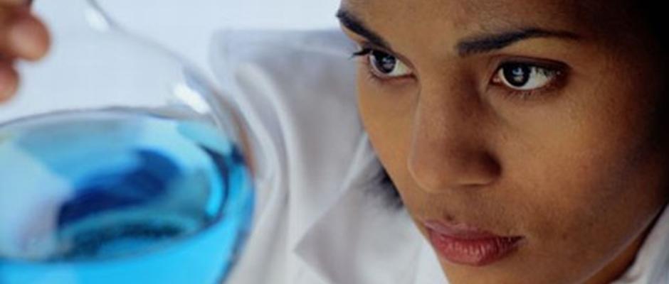 Alcon chemist